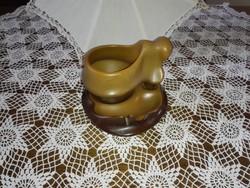 Kerámia kávés , teás kapucsinós szett tálcáján.