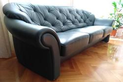 Eladó sötétzöld  bőr ülőgarnitúra 3+1+1-es, strapabíró, stabil