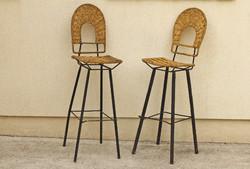 2db bárszék fontott ülőrész vas lábak különleges