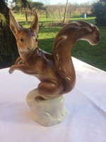 Royal dux porcelán mókus