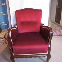 Restaurált antik fotel