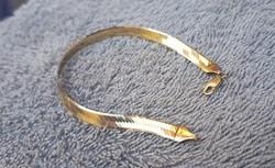 Arany karkötő 4 g.