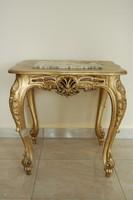 Barokk stílusú aranyozott sakkasztal