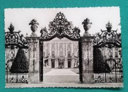 Magyarország,Fertődi Esterházy-kastély kapuja és udvari homlokzata,postatiszta képeslap