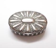 Díszes német ezüst szelence.