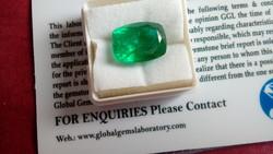 Természetes 8.90 karátos zöld smaragd drágakő tanúsítvánnyal