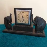Elefántos asztali óra