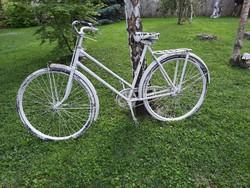 Régi kerékpár dekorációnak