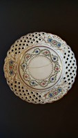 Több mint 100 éves, érett, vaj színű, Hüttl Tivadar,  porcelán dísztányér.