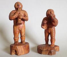 2 db régi retró kézzel faragott zenélő népi szobor pár fa faragás figura fafaragás