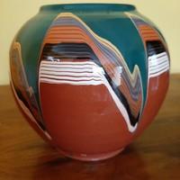 Szép csurgatott mázas gömb váza