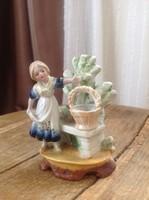 Antik porcelán kis virágtartó