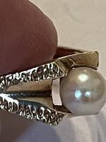 Különleges 14kr aranyból készült gyűrű szép  gyönggyel eladó Ara:40000.-