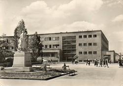 K 036  Séta Szlovákiában a XX század derekán. Nagytapolcsány 1959