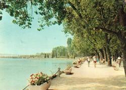 Ba 086 Színes körkép a Balaton vidékről a XX.század közepén .Füredi sétány