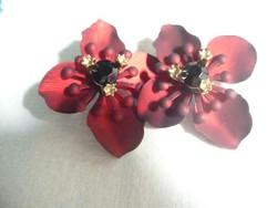 Szép bordó virág formájú fülbevaló