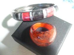 Tűzzománcos karkötő és műanyag gyűrű