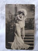 Antik, szecessziós magyar fotólap/képeslap Ledofszky Gizella színésznő, énekesnő kora 1900-as darab