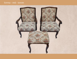 Kiszámítható, klasszikus szett - két fotel és egy puff