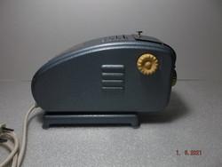 Retró - régi diavetítő saját dobozában.