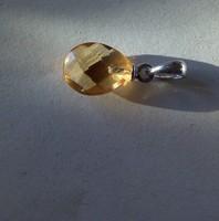 Csepp alakú fazettált citrin medál ezüst akasztóval