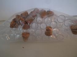 Kémcső - ÚJ - 30 db - PARAFA  DUGÓKKAL - MŰANYAG - 7,5 x 1 cm - cukornak - fűszernek - gyönygyöknek