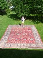 Hatalmas kézi csomózású gyapjú perzsa szőnyeg 403,5 x 292 cm.