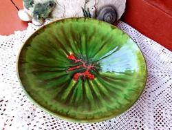 Retro zöld piros  kerámia 27 cm-es falitányér tányér Gyűjtői darab, nosztalgia paraszti dekoráció
