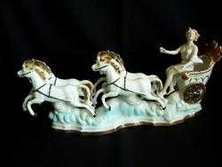 4 lovas porcelán hintó női hajtóval jelzett Arpo porcelán