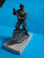 Műgyanta figura , Evező csónakos