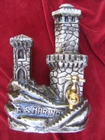 Guaita erődöt formázó  (San Marino). röviditalos palack  23,5 x 16 cm. Dugóval és csappal.  -  A 3.