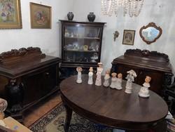 Antik tálaló, vitrines szekrénnyel , kinyitható étkező asztallal 4 székkel
