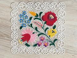 Kalocsai hímzett riseliő terítő régi kézműves termék gyönyörű