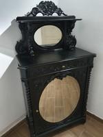 Barokk faragott szekrény
