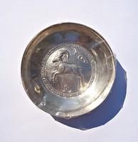 Kost ábrázoló 830-as görög tálka