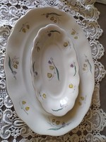 Jelzett lhibátlan lengyel porcelán kinálók azonos mintával.