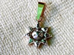 Antique gold pendant / diamond