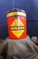Retro csatos fém kávés doboz