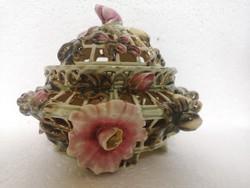 Antik muzeális Zsolnay virágos áttőrt bonbonier doboz