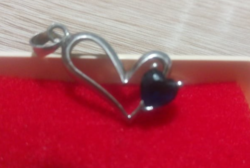 New! Modern heart-shaped pendant with confusing blue stones