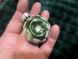 Kb 4 cm-es , retro karácsonyfadísz üvegből .