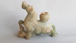 Kínai jáde faragvány, gyertyatartó