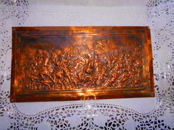 Vörösréz lemez dombormű, relief.-Harci jelenet- aprólékos kézműves munka 31 X 17 cm