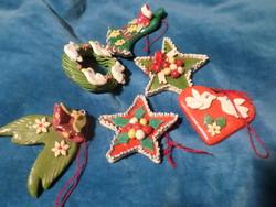 6 db egyedi ,aprólékos , kedves , kerámia , vagy süthető gyurma karácsonyfadísz , egyben .