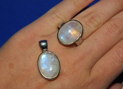 Gyönyörű Minimalista Szivárvány Holdköves Ezüst Medál és Gyűrű Szett