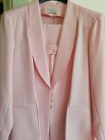 Háromrészes pink kosztüm