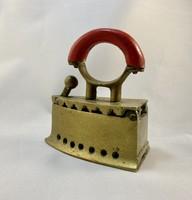 Mini sárgaréz vasaló