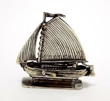 Ezüst vitorlás miniatűr  (ZAL-BI41556)