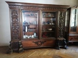 Oroszlánkörmös barokk könyvszekrény