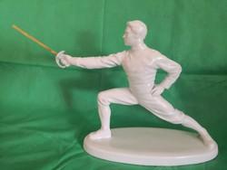 Herendi porcelán vívó szobor